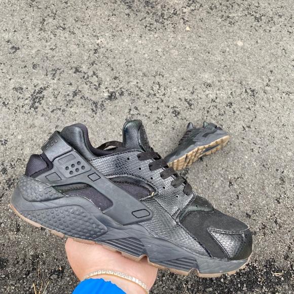 Nike Shoes | Huarache Size 10 Womens Or